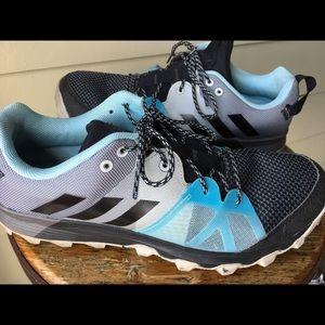 Adidas black/blue sneakers